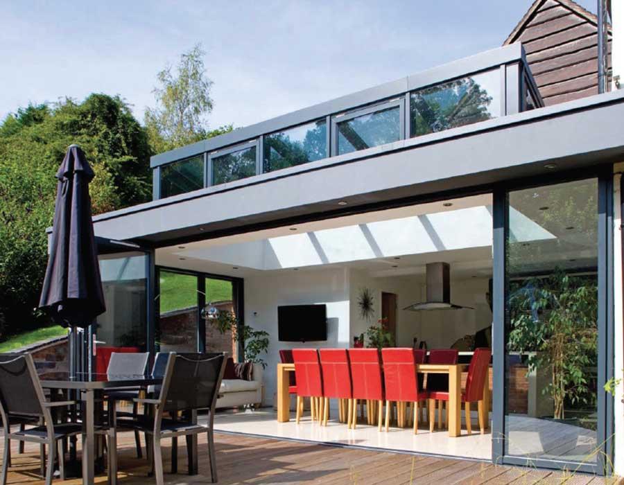 balustrade glass on house