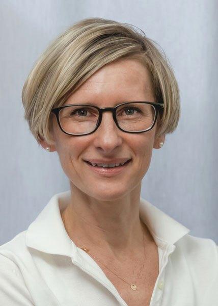 Dr. med. Nadine Farkas