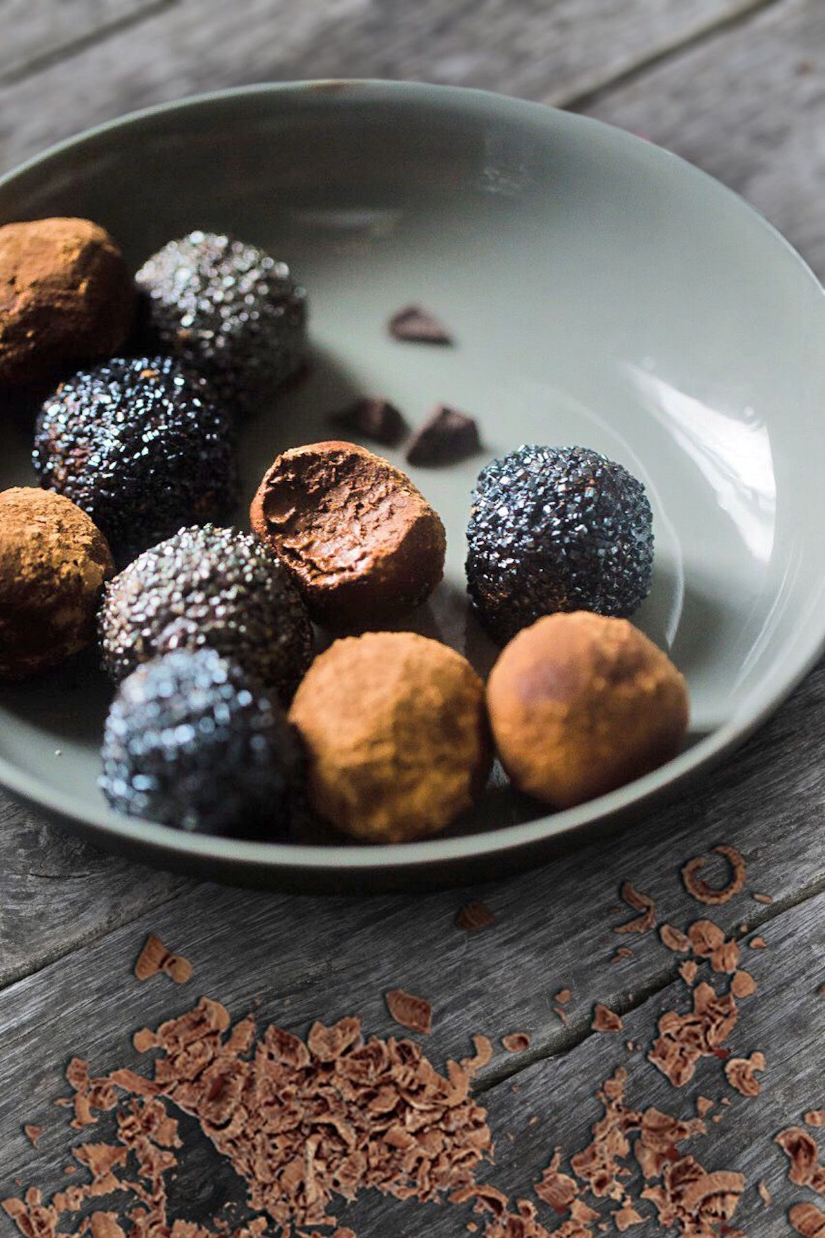 Easy Chocolate Truffles (Paleo, Refined Sugar Free)