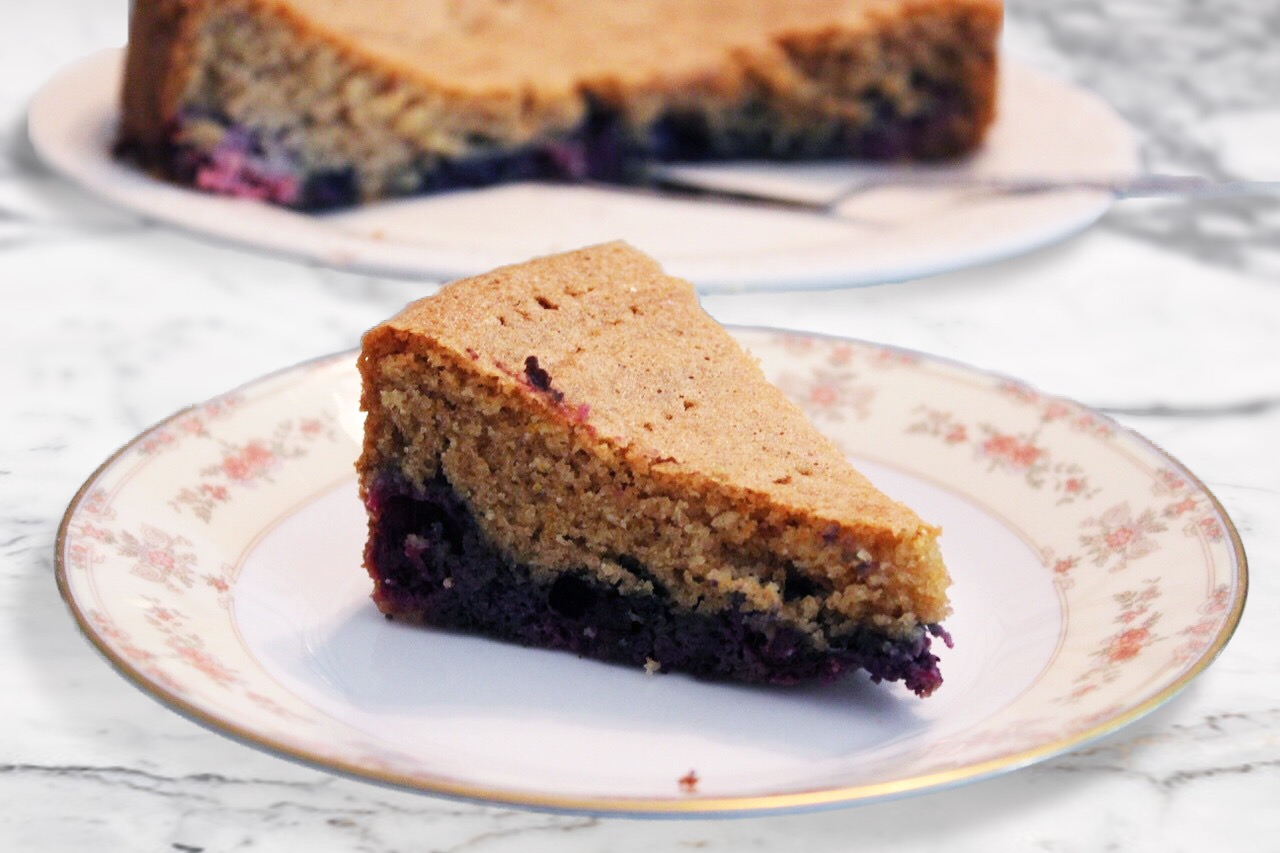 Low-Carb Blueberry Sponge Cake