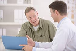 Patient consults with doctor over allergies and sinus questions