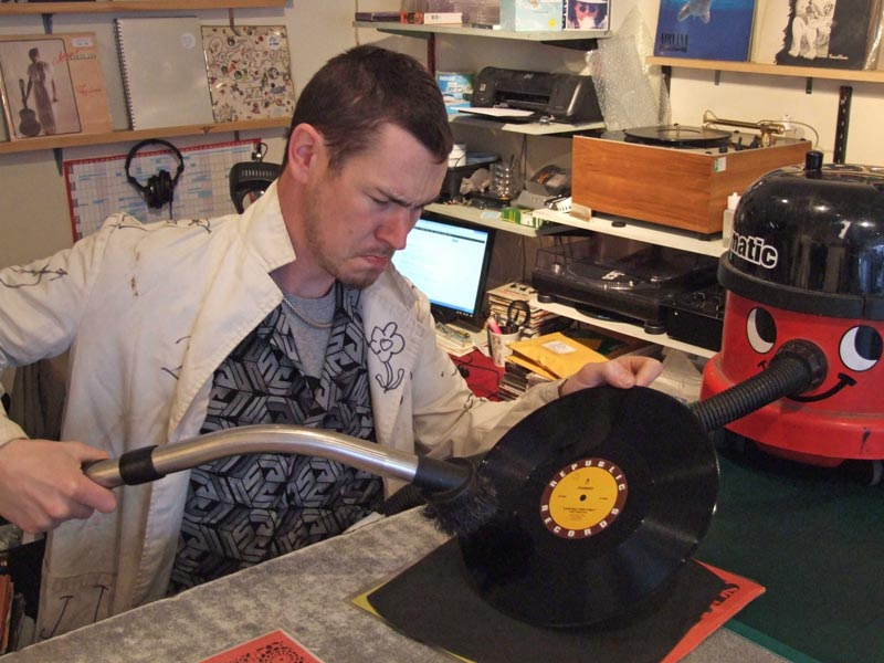 Vinyl record cleaning at Rat Records: Neanderthal Cleaning is Wrong