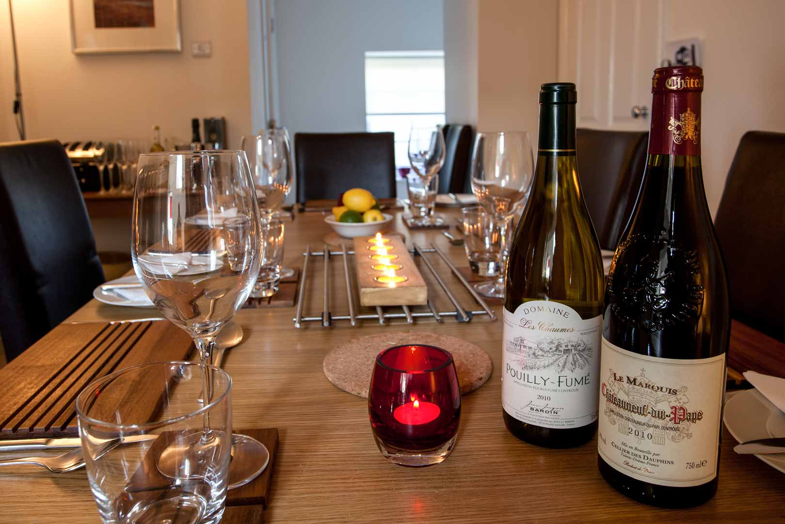 Islay holiday apartments: fully equipped for dining in style