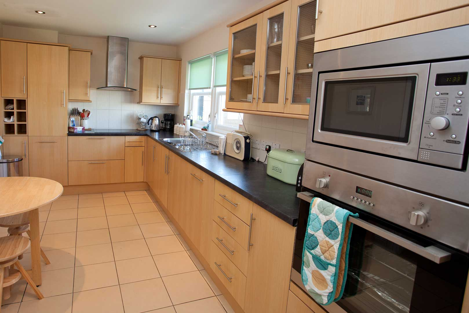 Killinallan cottage: superbly equipped kitchen