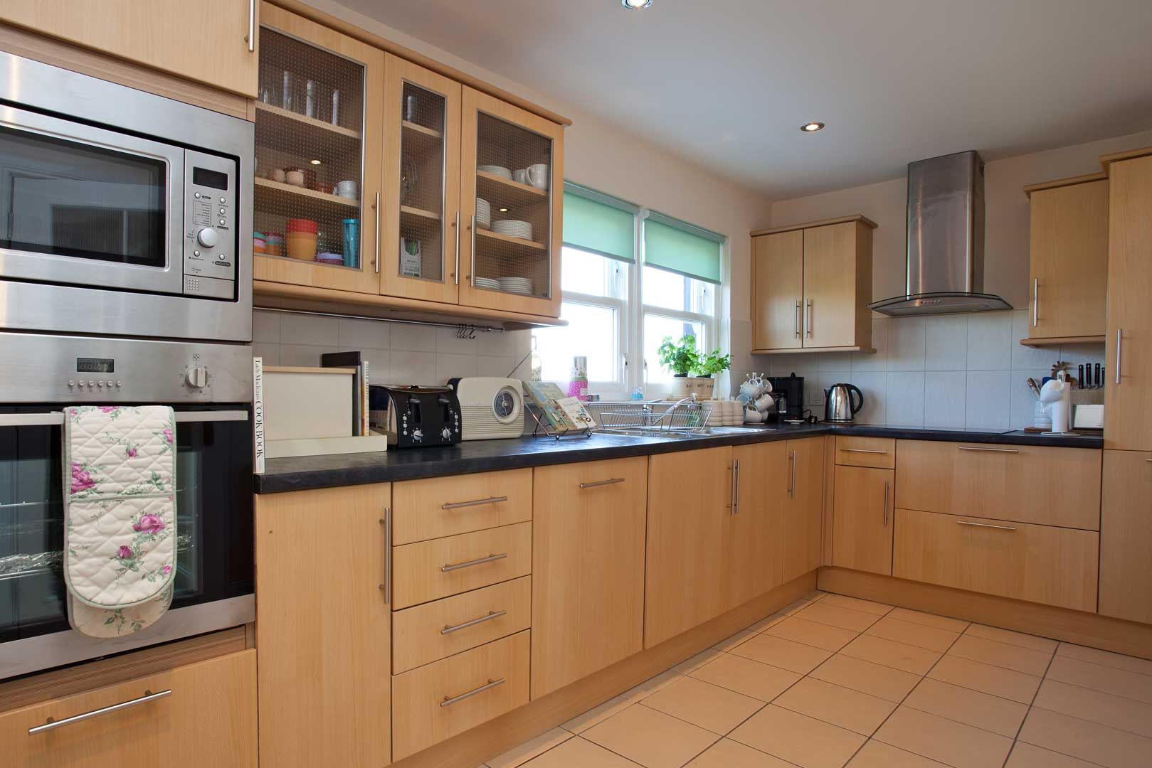 Sanaigmore cottage: superbly equipped kitchen