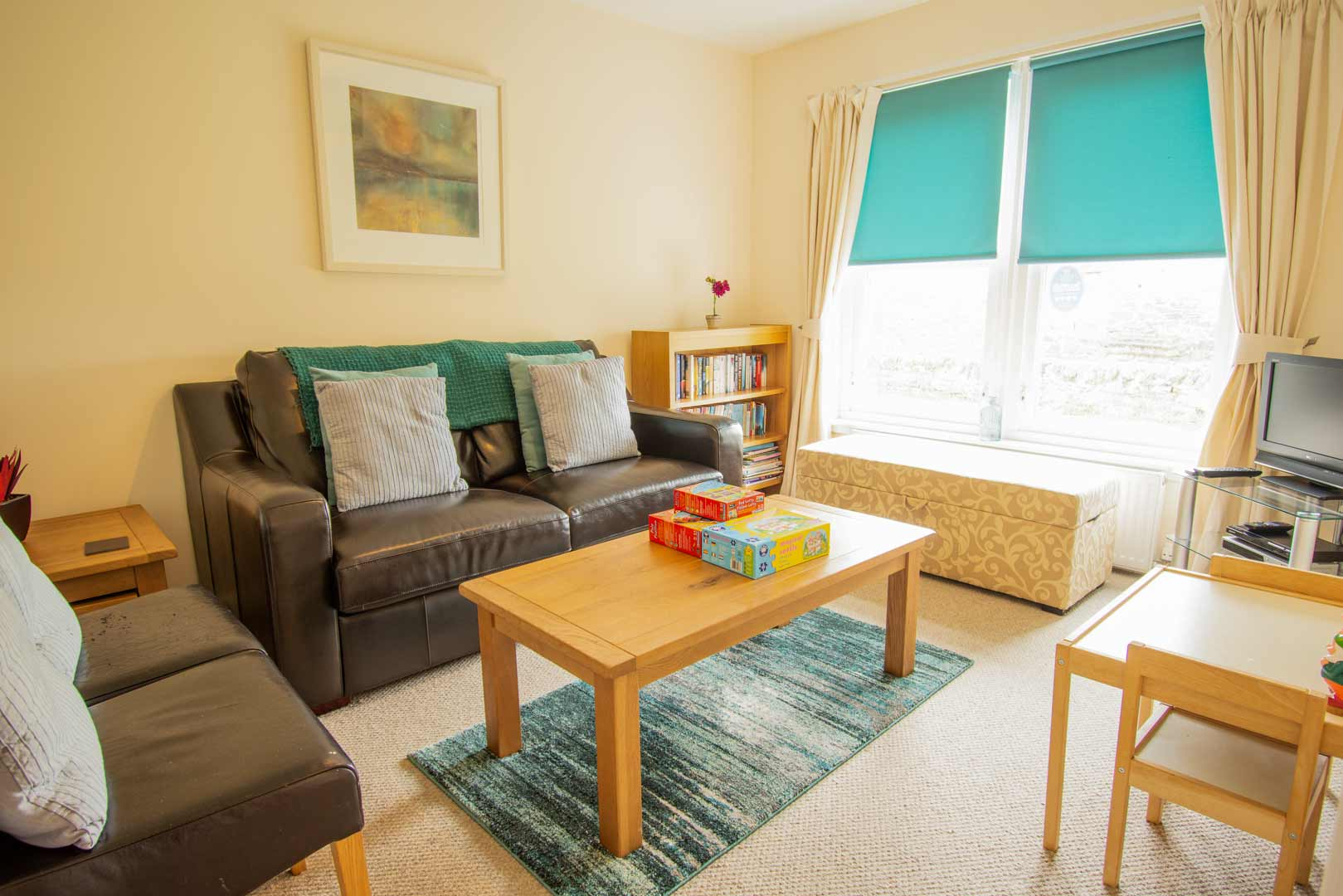 Sanaigmore cottage: quiet room - or family games room!