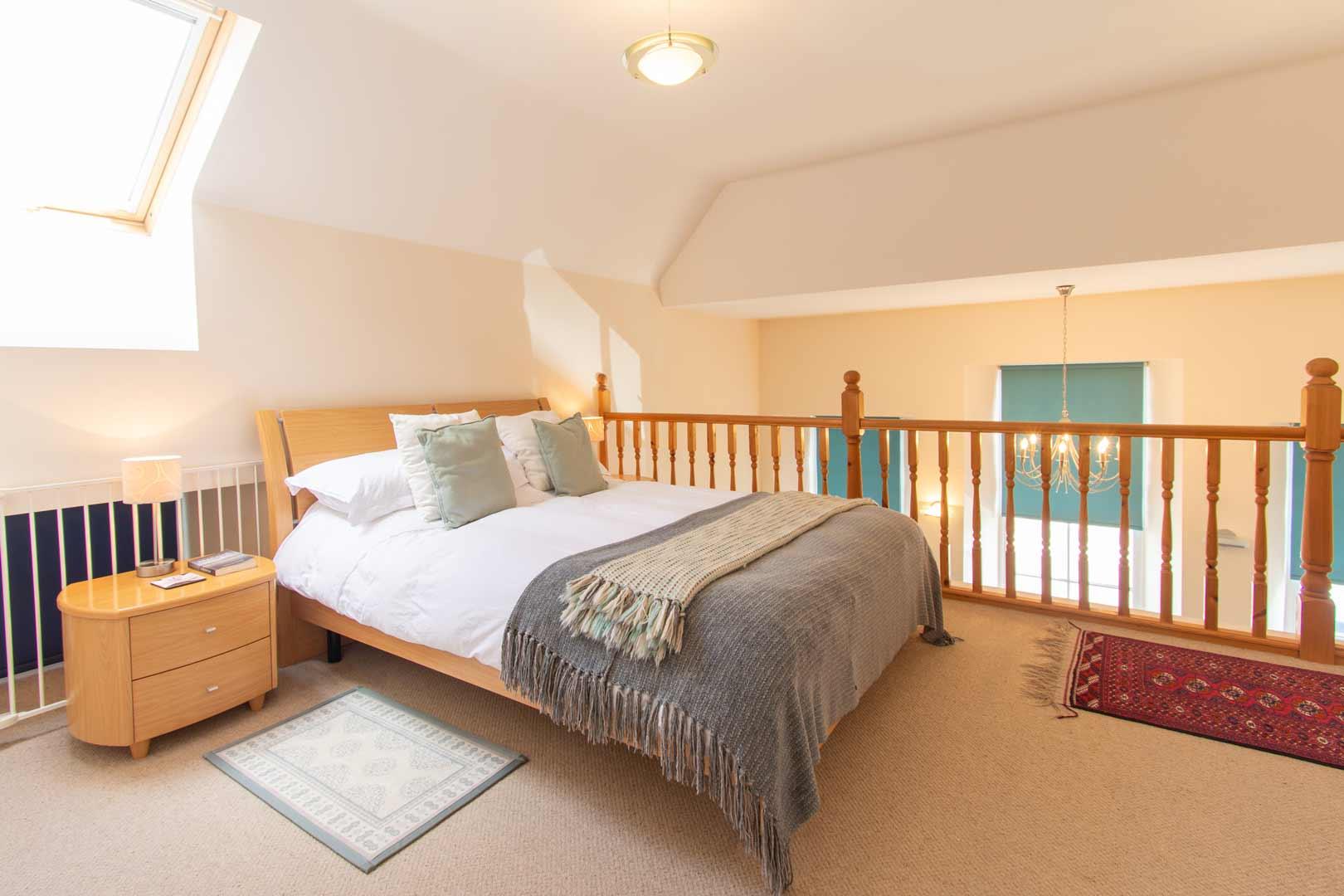 Kilchoman apartment: upper floor gallery bedroom
