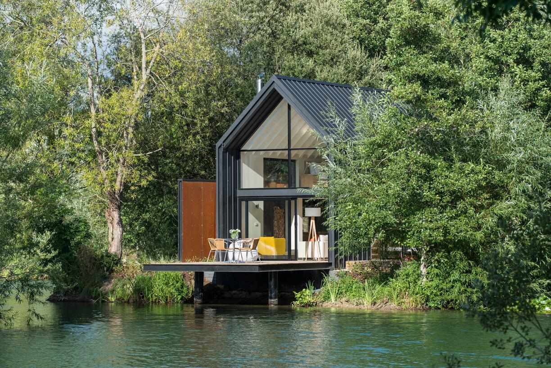 The Island Lodge - Little Horseshoe Lake Contemporary Fishing Lodges