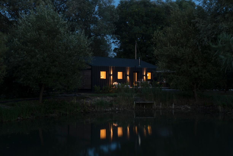 The Island Lodge - Little Horseshoe Lane