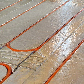 Floating floor underfloor heating installation