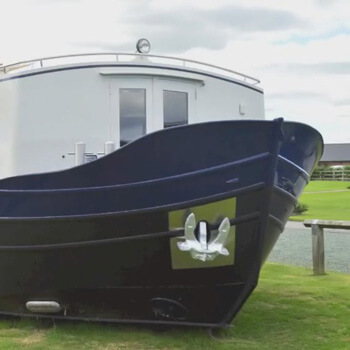 A unique opportunity came up for a different type of heating – installing a system on a contemporary houseboat.