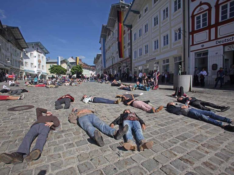 Flashmob zum Tag des Grundgesetzes in Bad Tölz