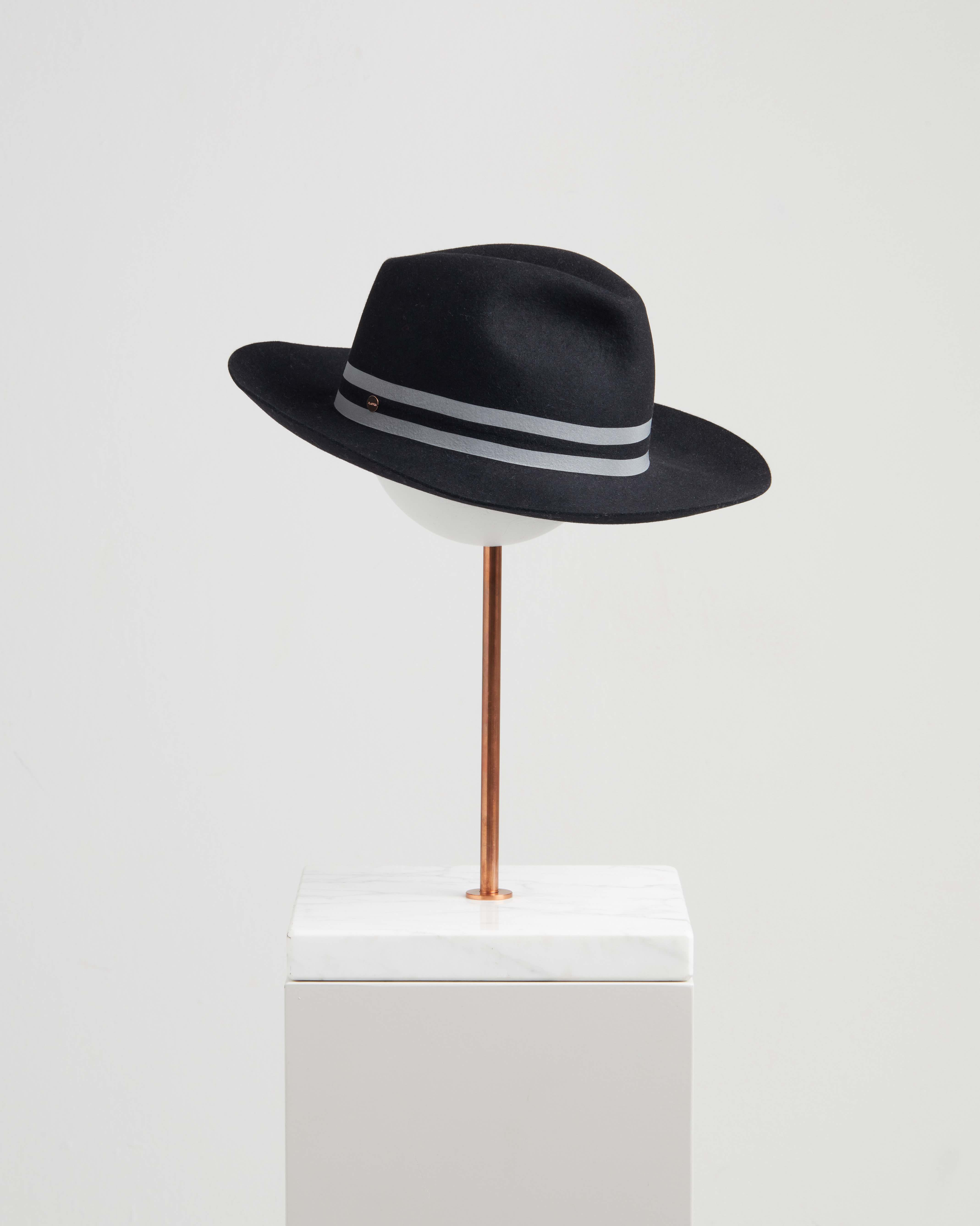 MELISA HAT REFLECTIVE BLACK