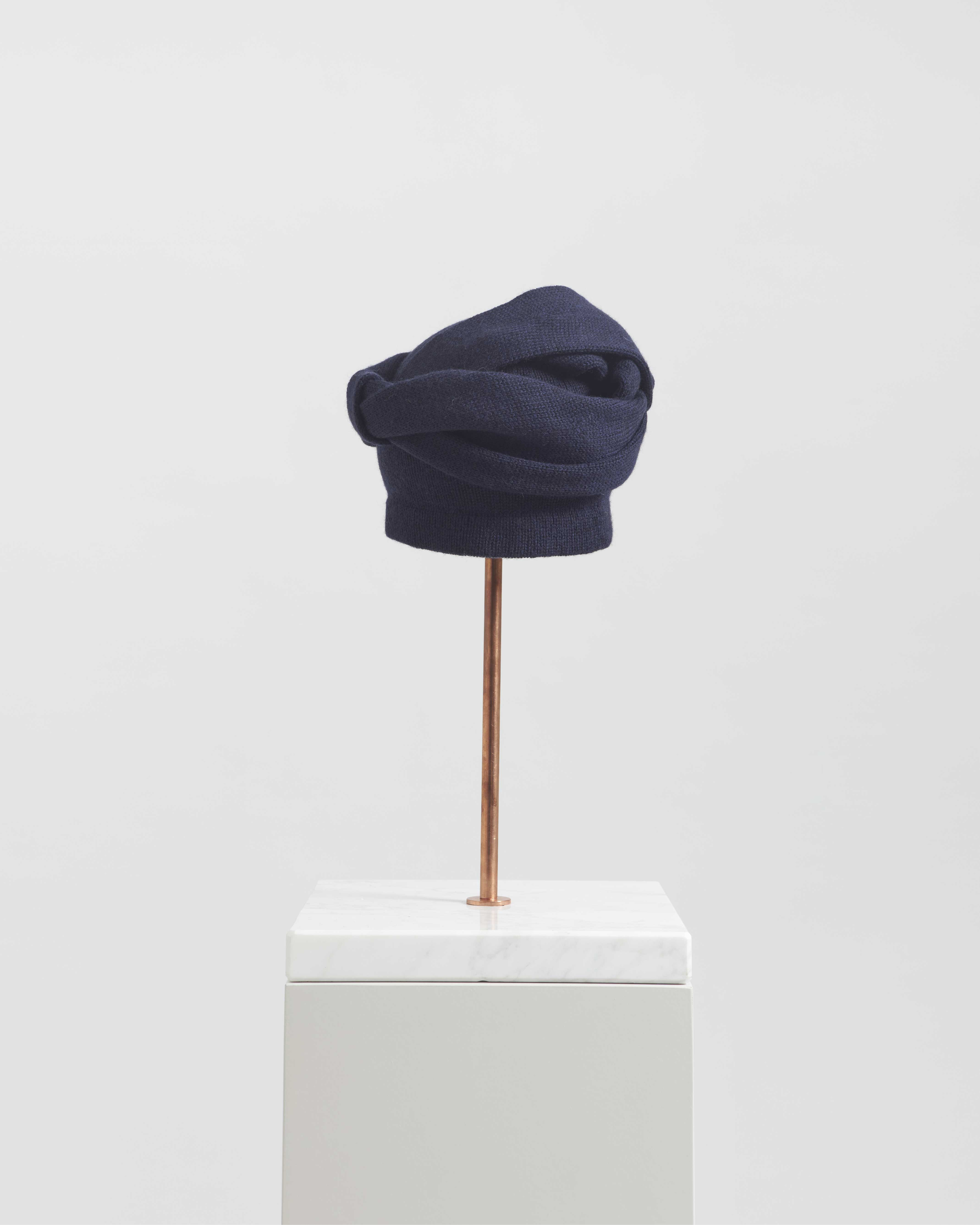 ATENA HAT ROYAL BLUE