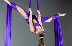 pilates em suspensão, tecido acrobático