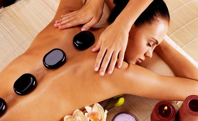 Você conhece a Massagem com Pedras Quentes