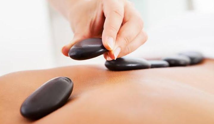 Sensação de bem-estar e Massagem com Pedras Quentes