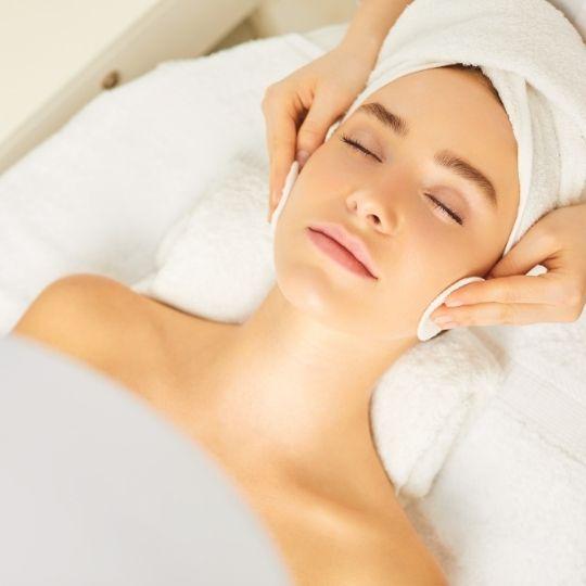 sete-beneficios-da-limpeza-de-pele