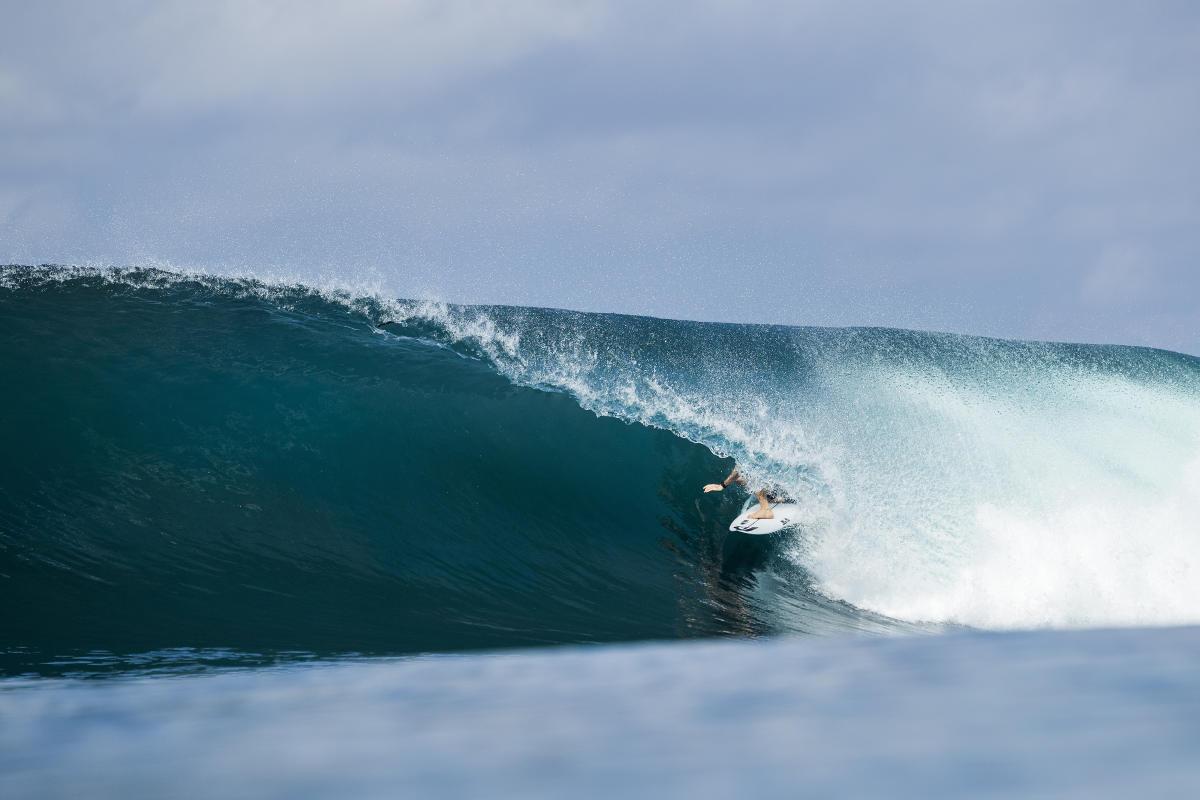 Perfect barrel at Keramas Bali Pro