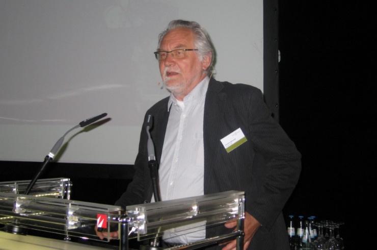 Joachim Seinecke referierte beim 4. Europäischen Kongress für energieeffizientes Bauen mit Holz