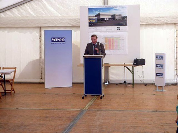 Neue Logistikhalle von Wenko-Wenselaar GmbH feiert Richtfest