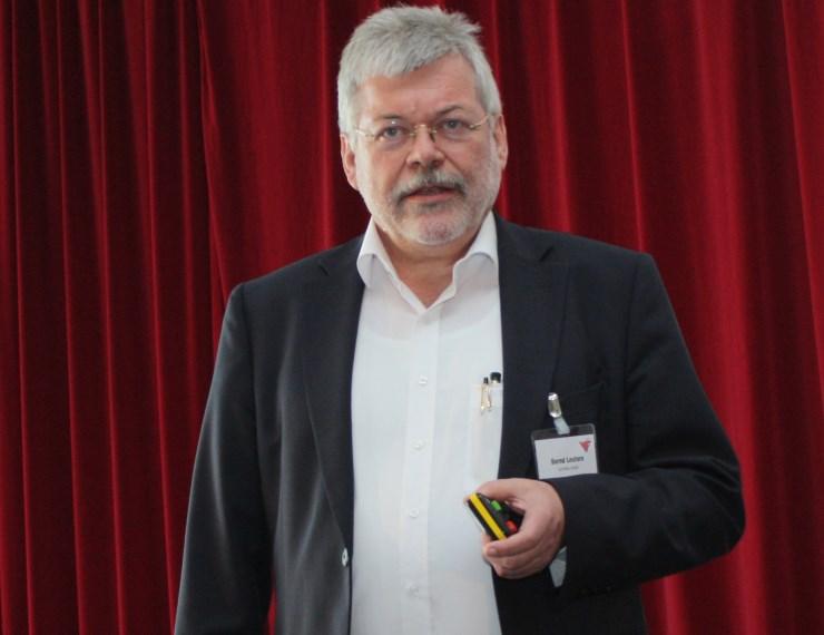 Bernd Leuters hält Vortrag zu Großküchen auf der Fachtagung des VdF