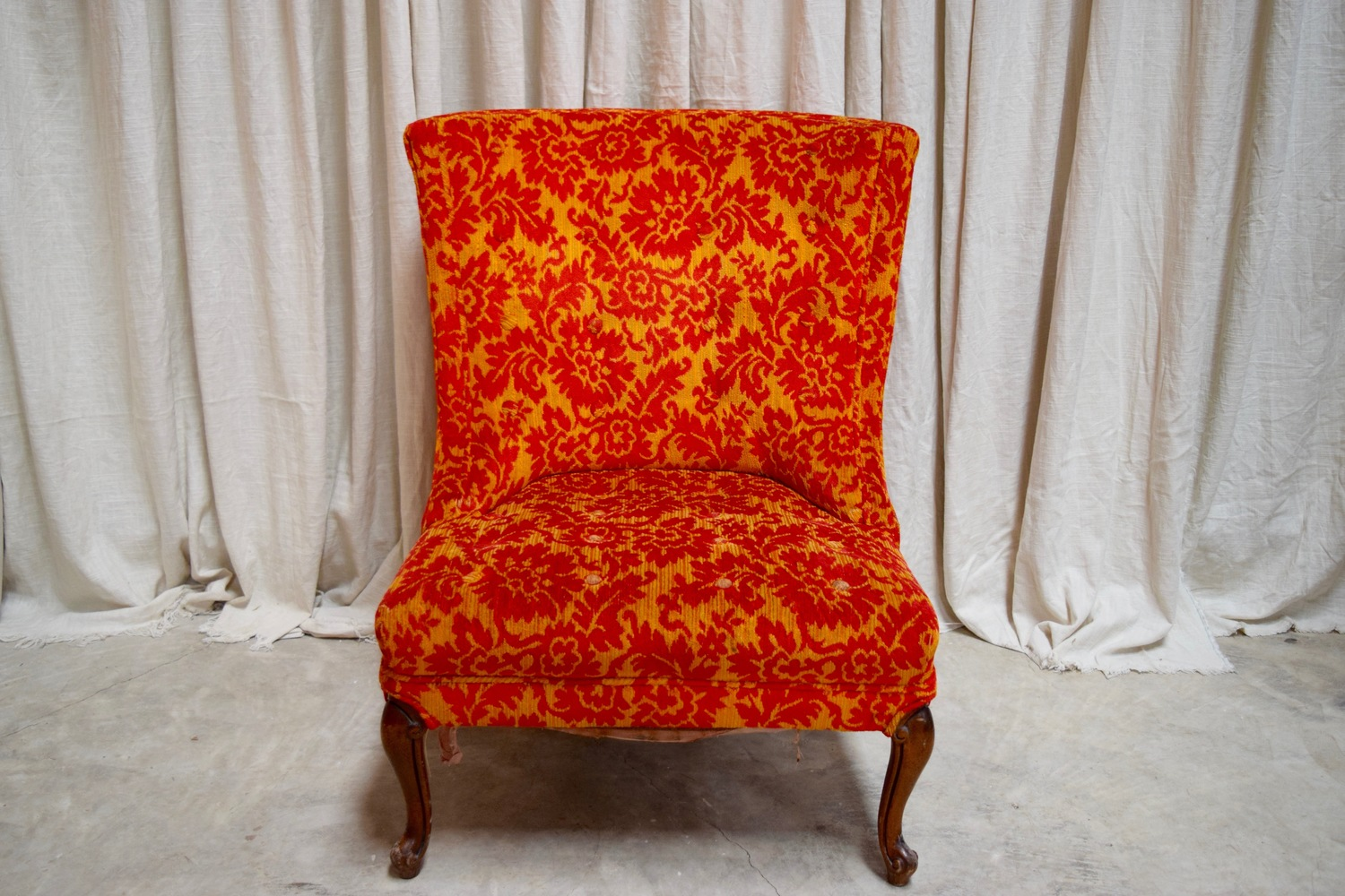 Lovely Red And Orange Floral Chair