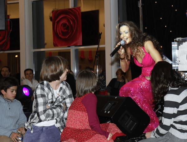 Repas-dansant soirée St Valentin Cora Massy 2010 - Photo : Jean Claude Roca