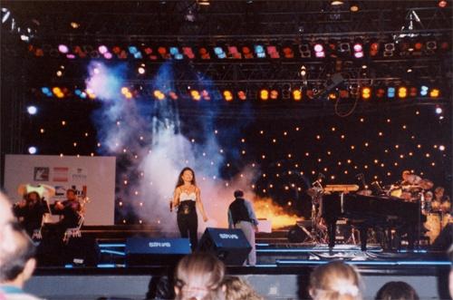 Eurovision du Bassin méditerranéen en Turquie à Izmir Gaëlle Villien représente la France