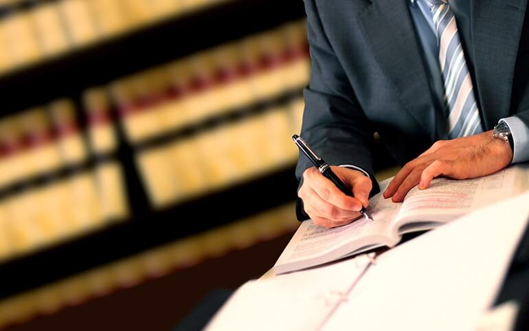 LI Attorney Drafting Estate Plan in Babylon, NY