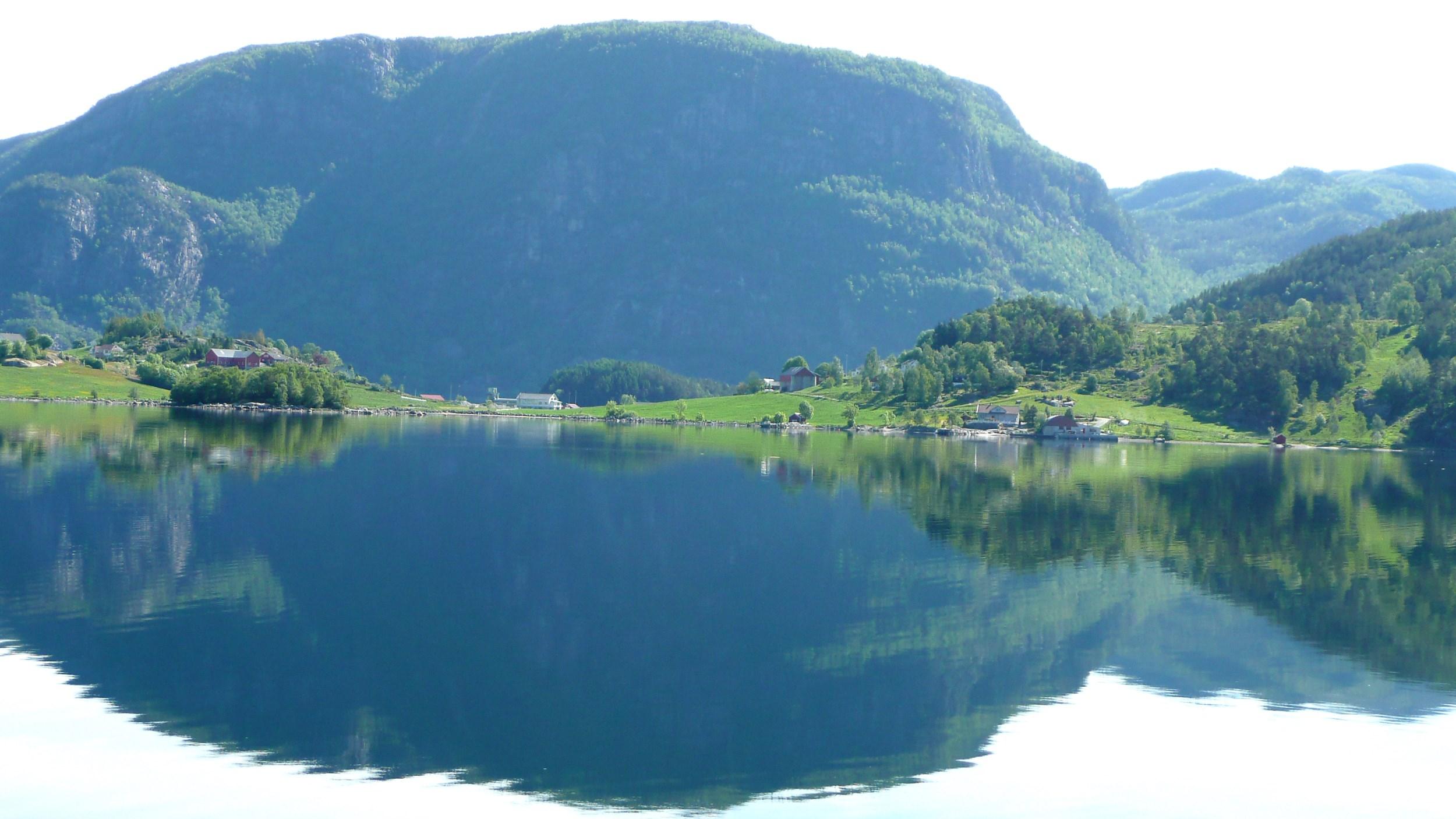 Picture of hiking in Erfjord, Suldal