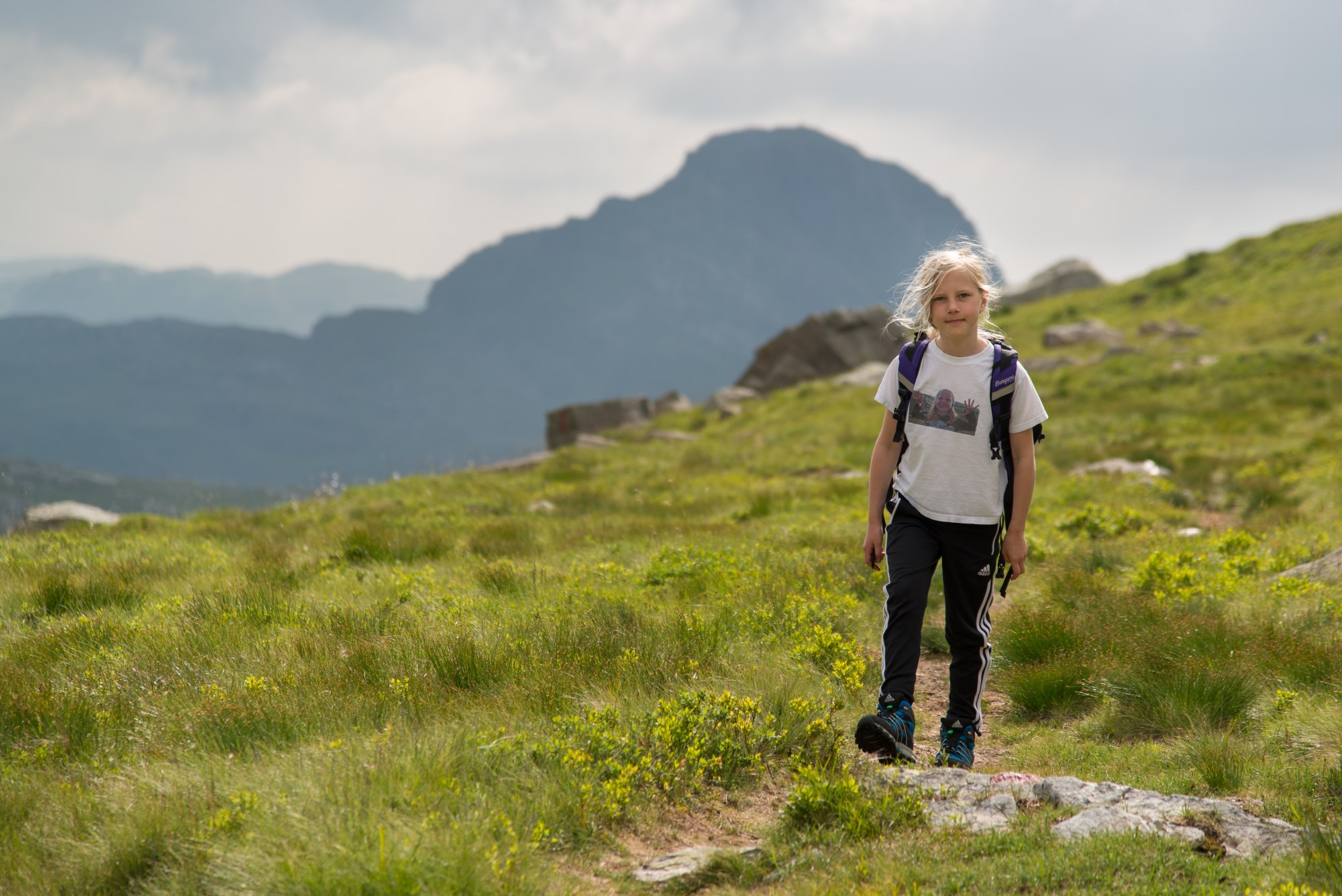 Picture of girl hiking in the Suldal mountains