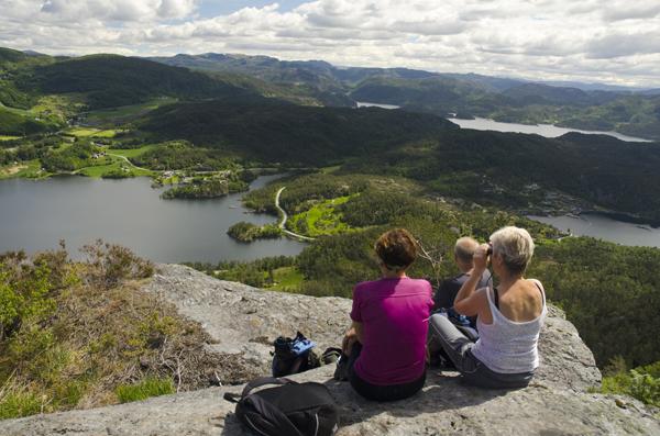Picture of hiking to Grytenuten, Ropeidhalvøya