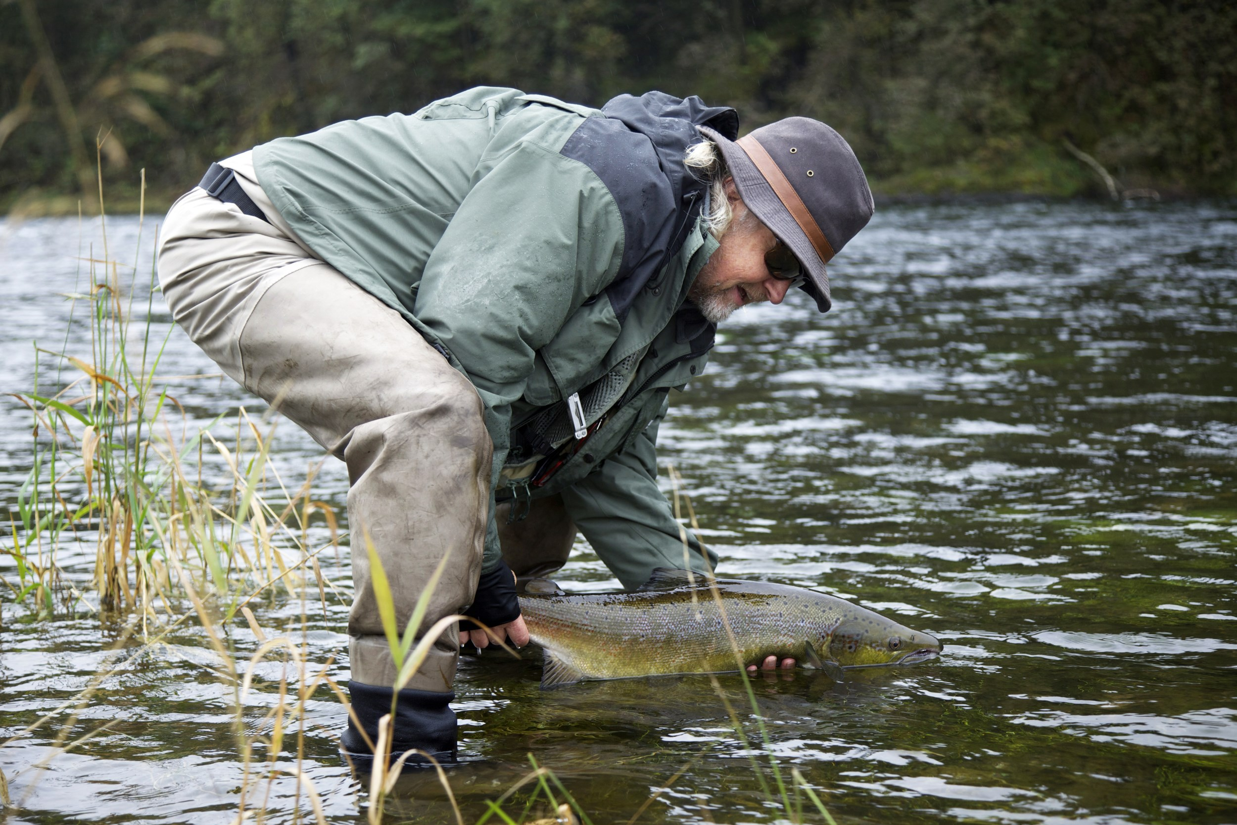 Picture of salmon fishing in Suldalslågen river