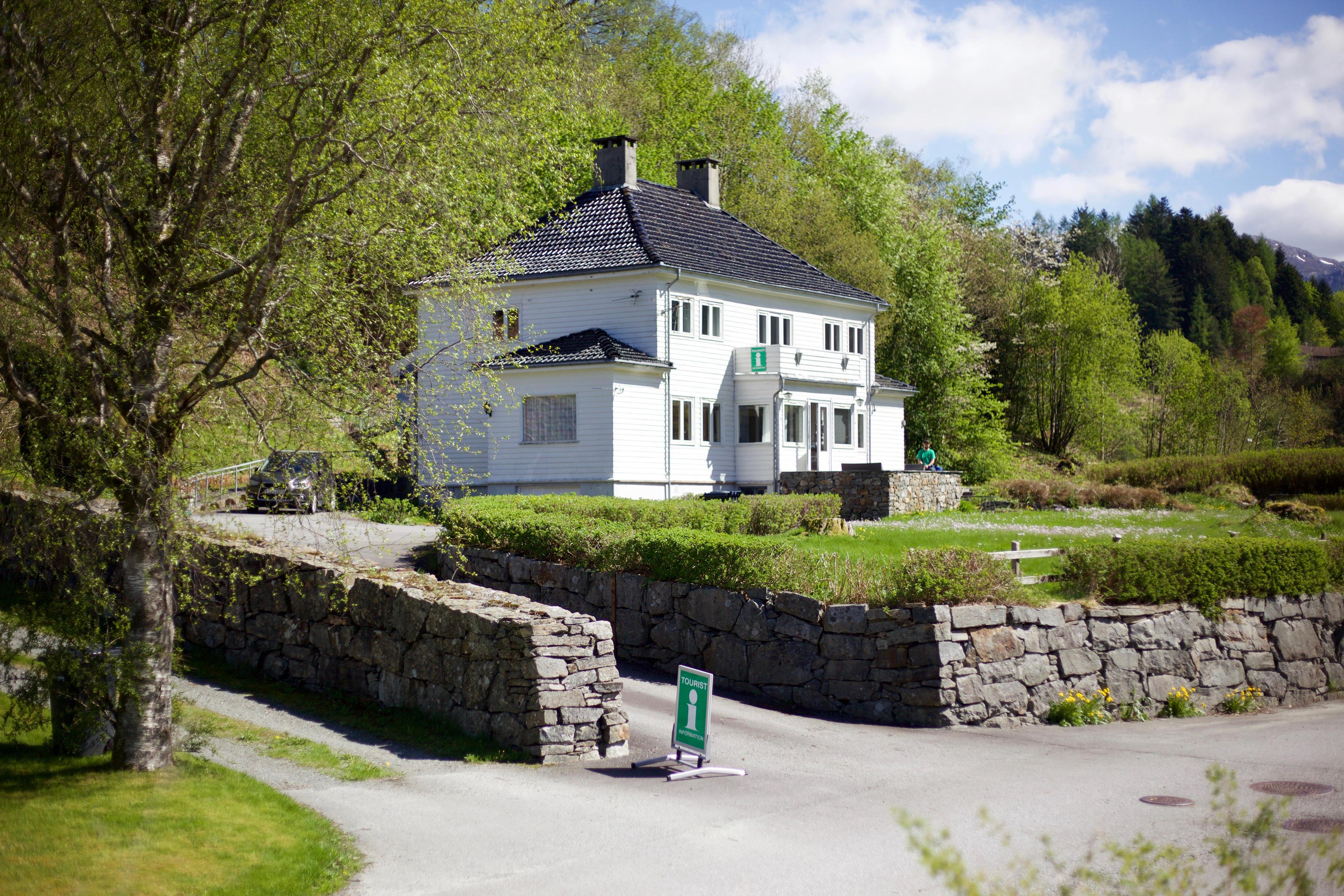 Fossheim, by architect Arnstein Arneberg, Norwegian Scenic Route Ryfylke