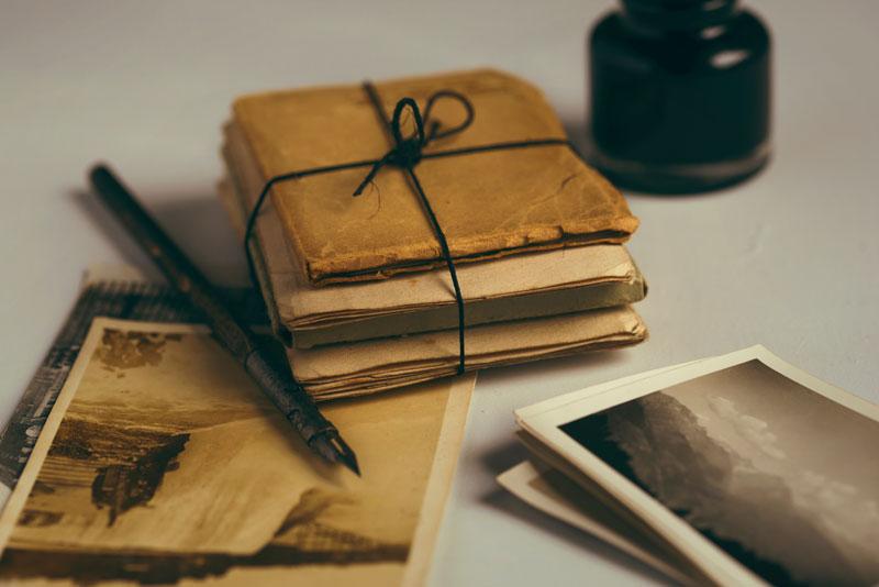 Quelle est l'équivalent numérique des lettres et des cartes postales d'antan?