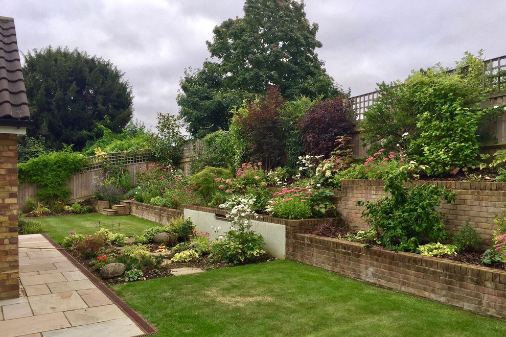 Town Garden With Severe Slope, Wheathampstaed. Garden Design Portfolio