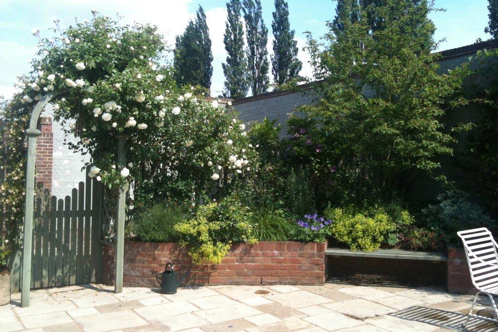 Courtyard Garden, Kinsbourne Green, Harpenden · Garden Design Portfolio