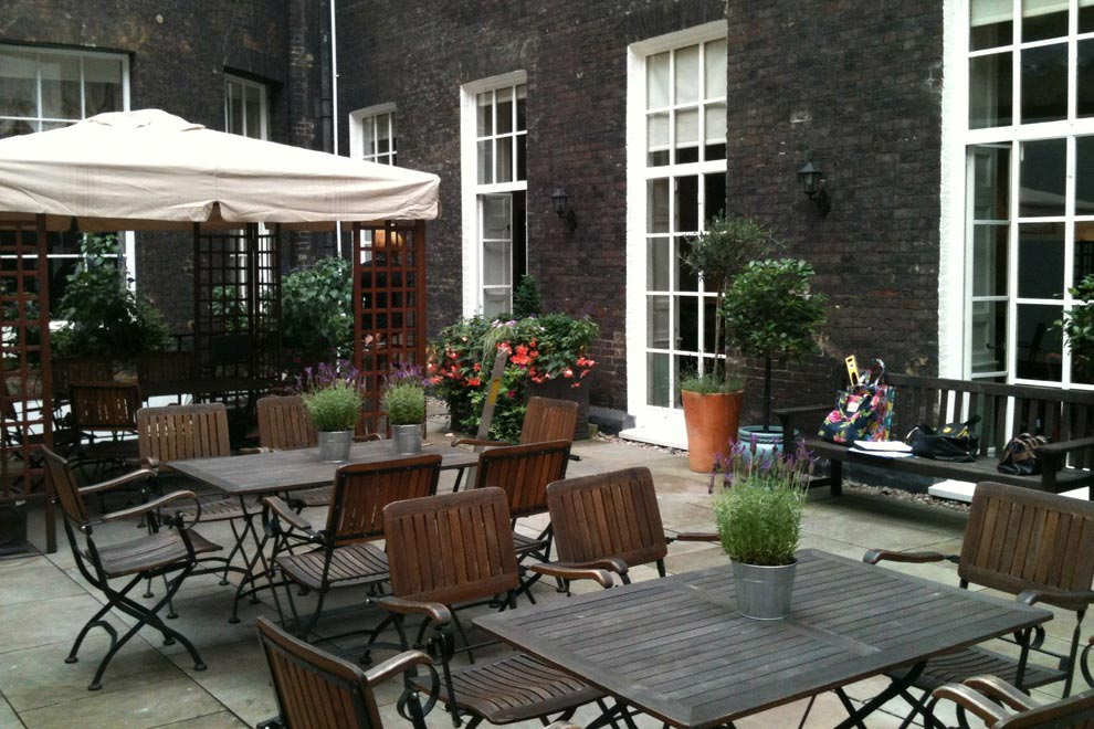 Royal Society of Medicine courtyard terrace garden, London