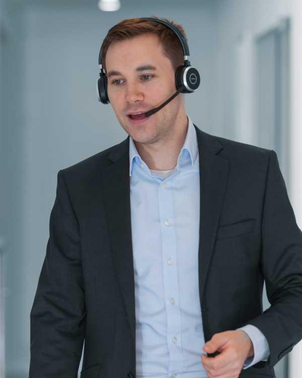 Sebastian Betz im Telefonat