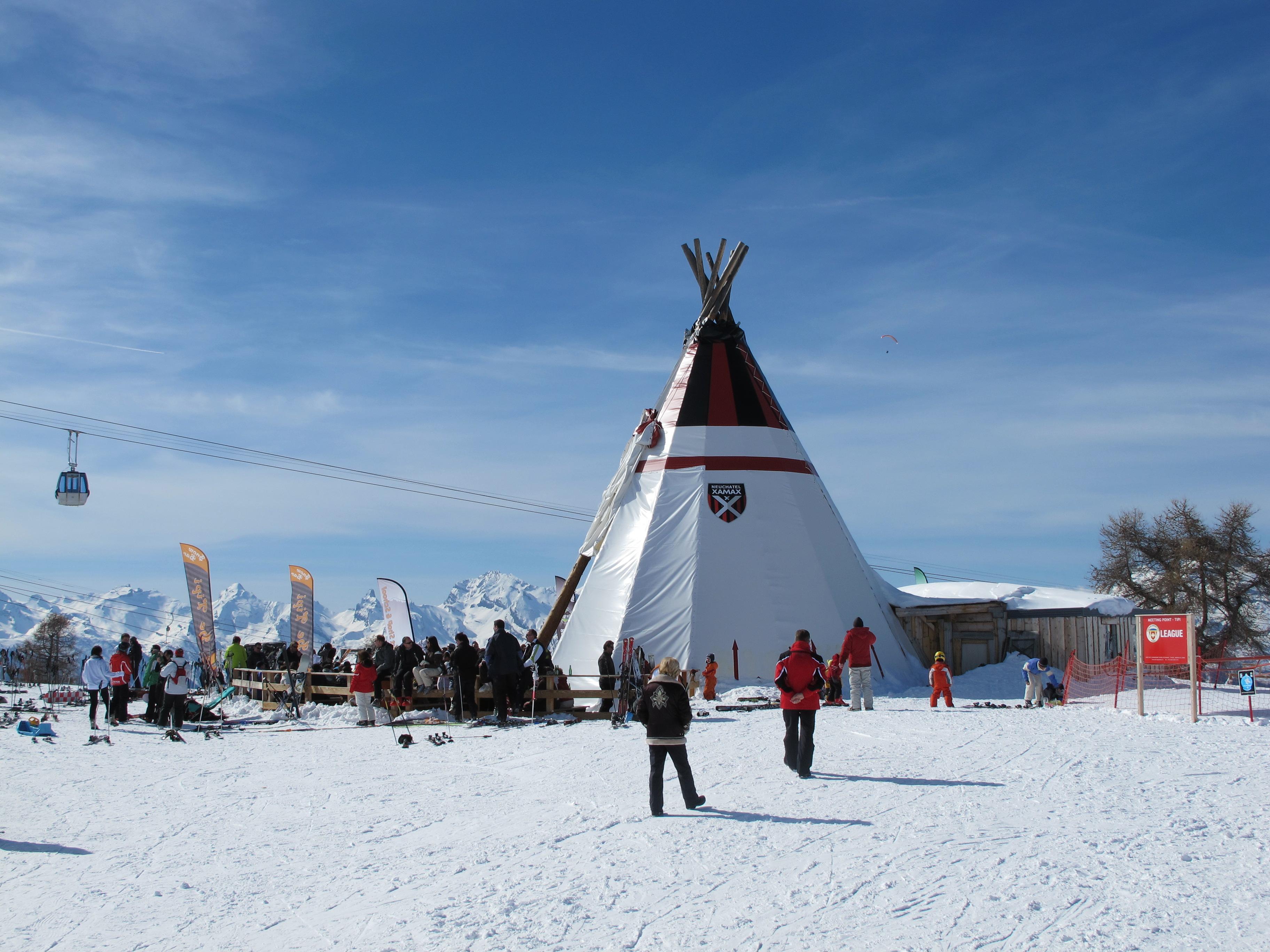 photo of teepee apres ski bar thyon2000