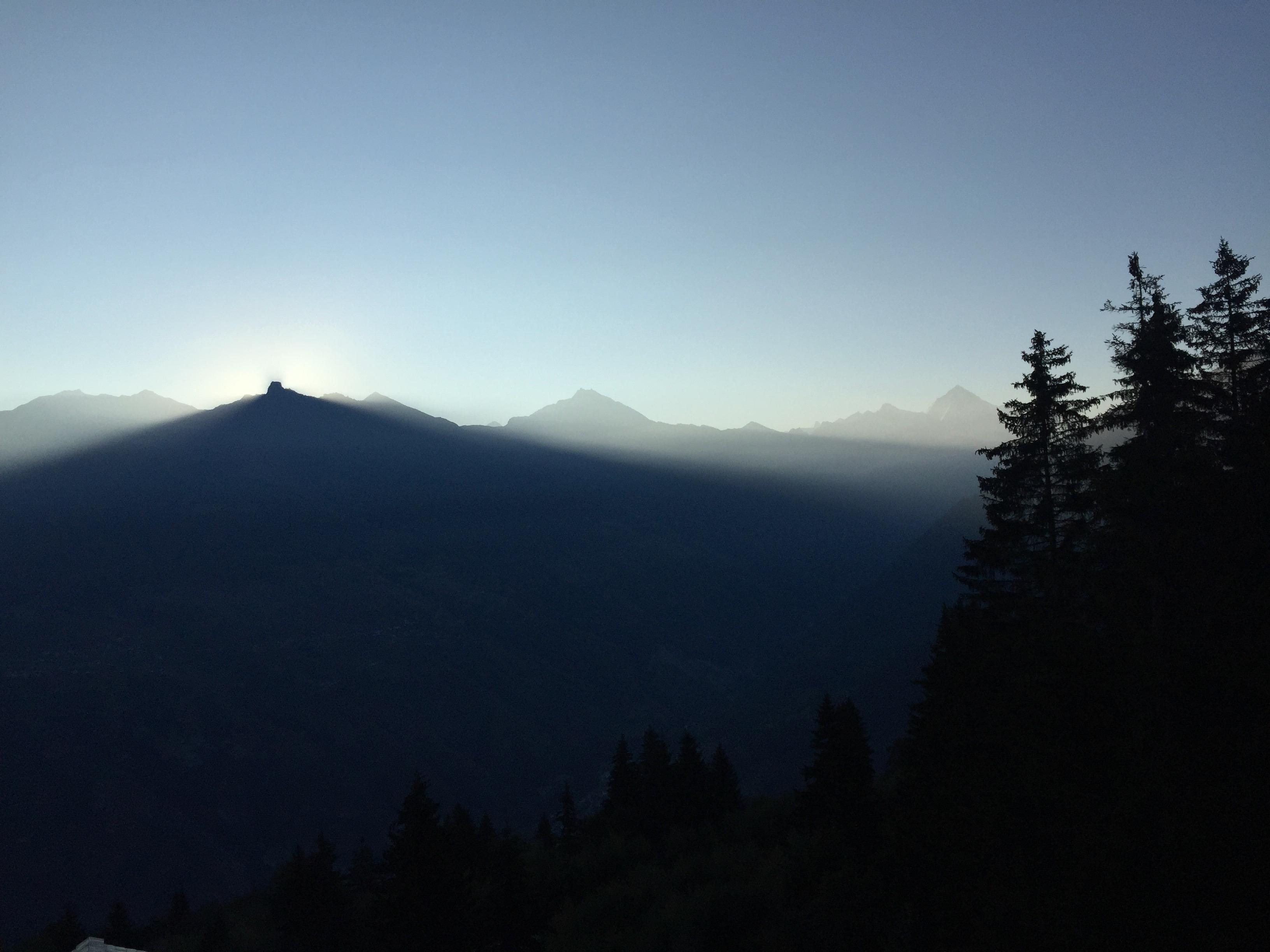sunrise behind 'la maja' val d'herens