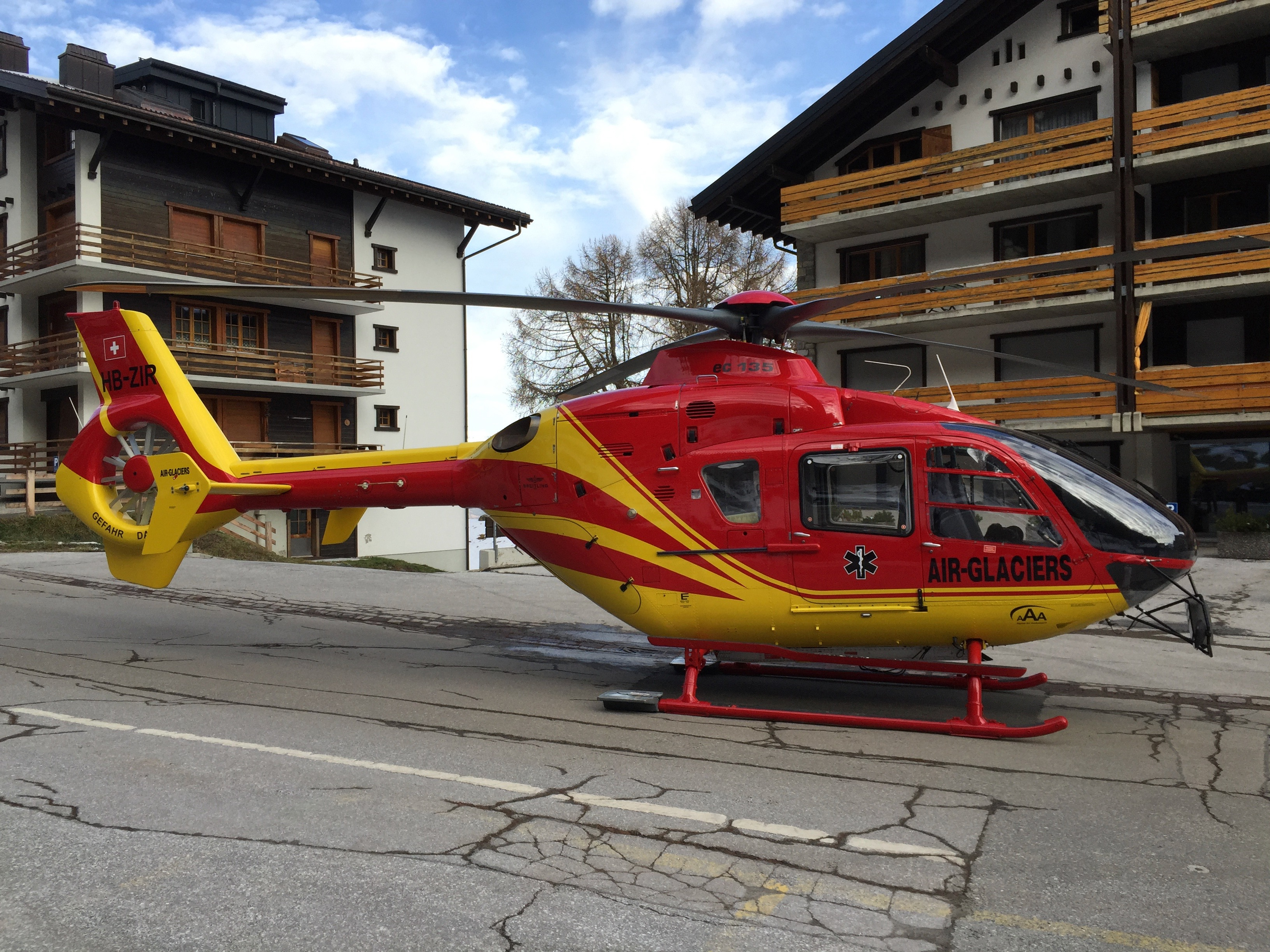 photo of helicopter in Les Collons main street