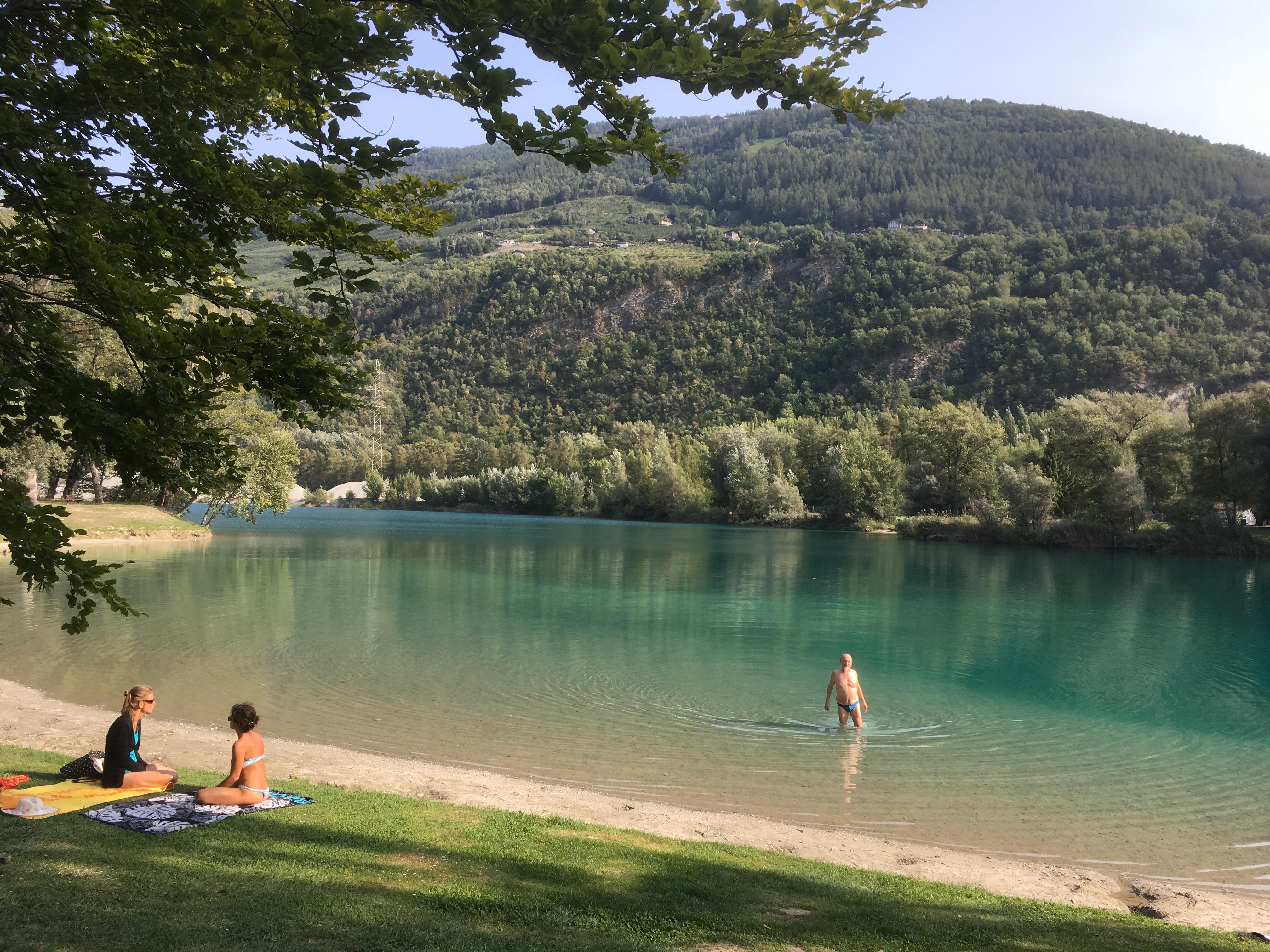 photo of Les Isle swimming lake near Sion