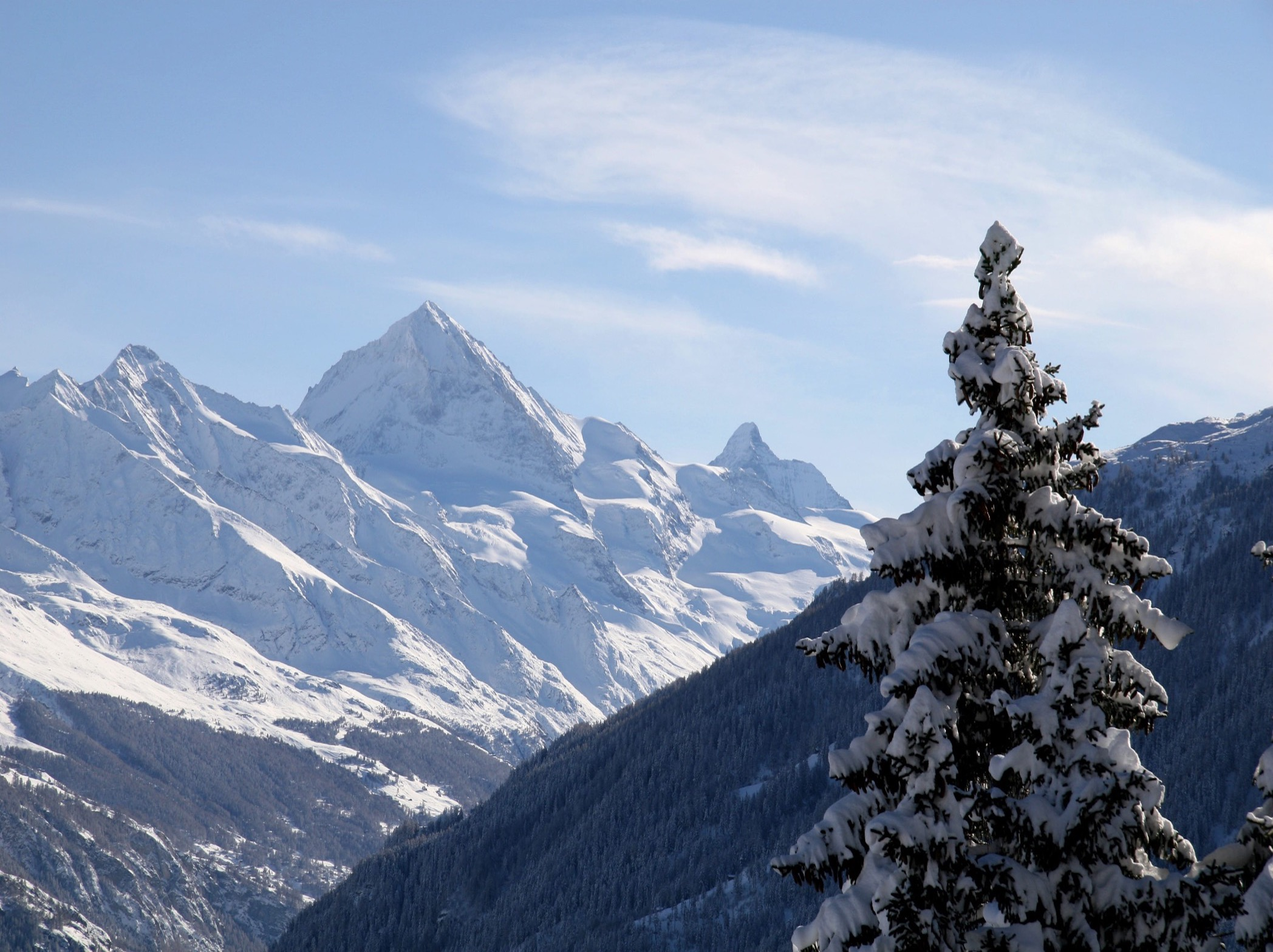 Holiday Home with breathtaking views of the majestic Dent Blanche and the famous Matterhorn.
