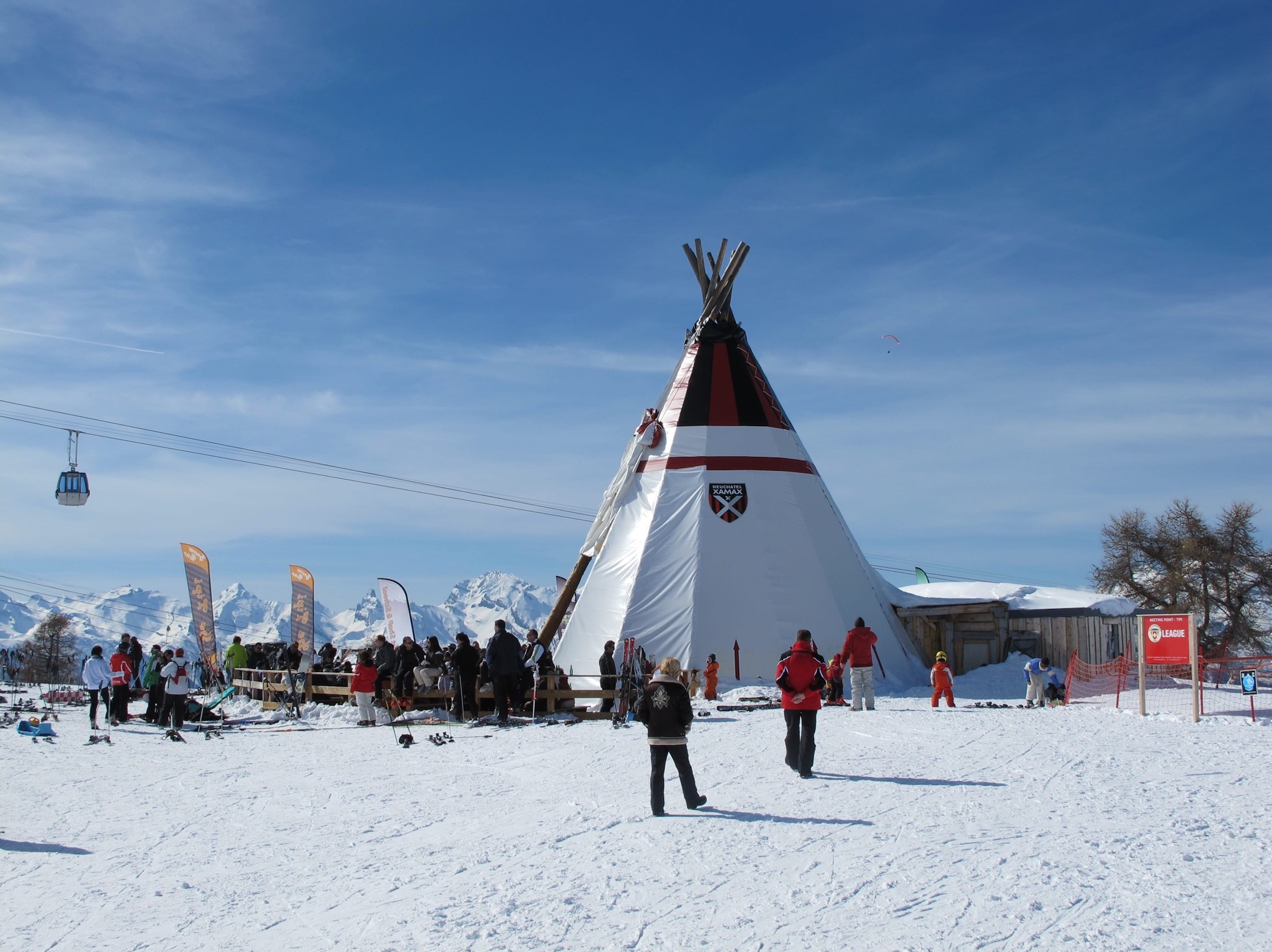 photo of teepee apres ski bar thyon2000