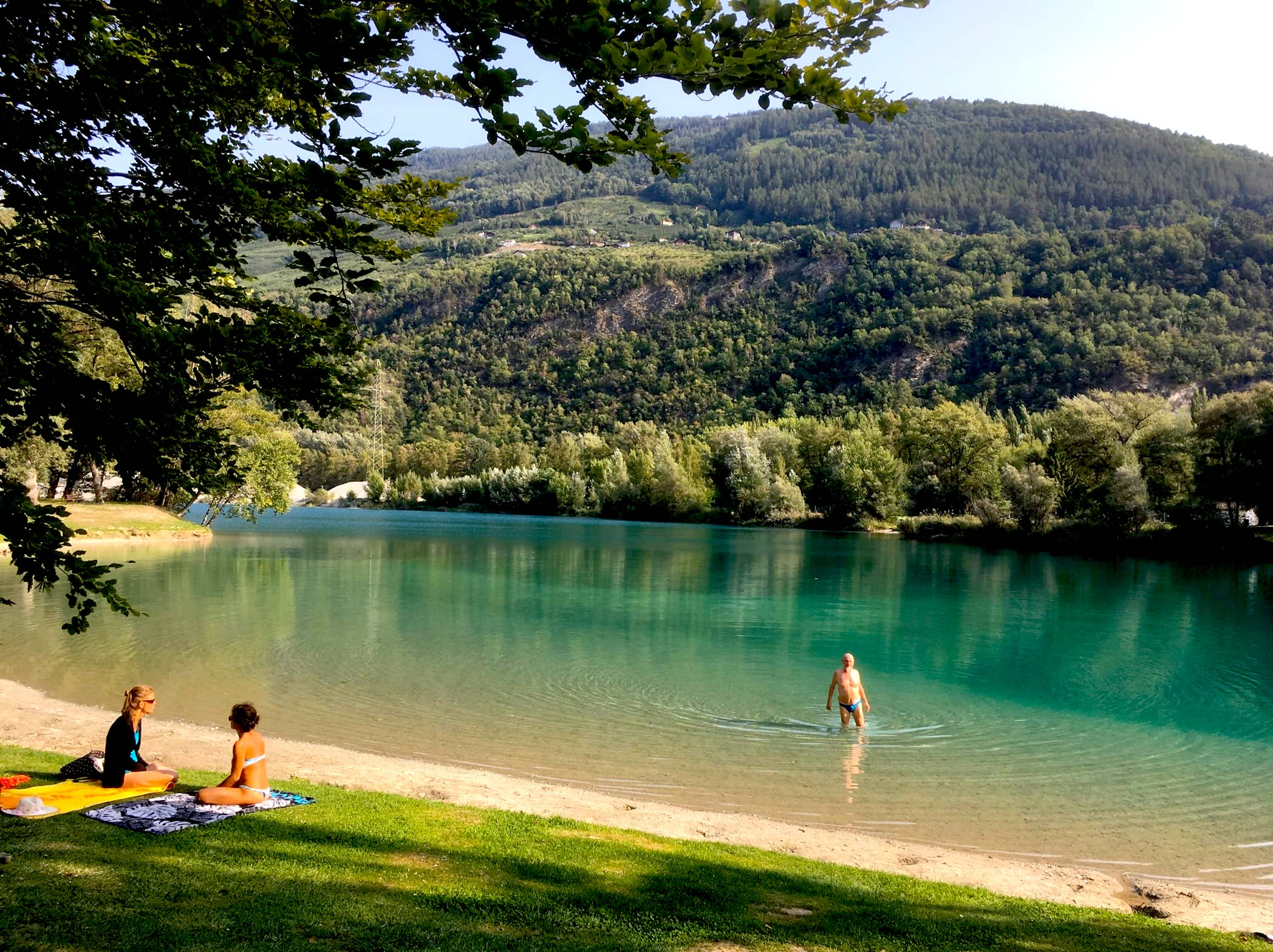 photo of Les Isle swimming lake near Sion
