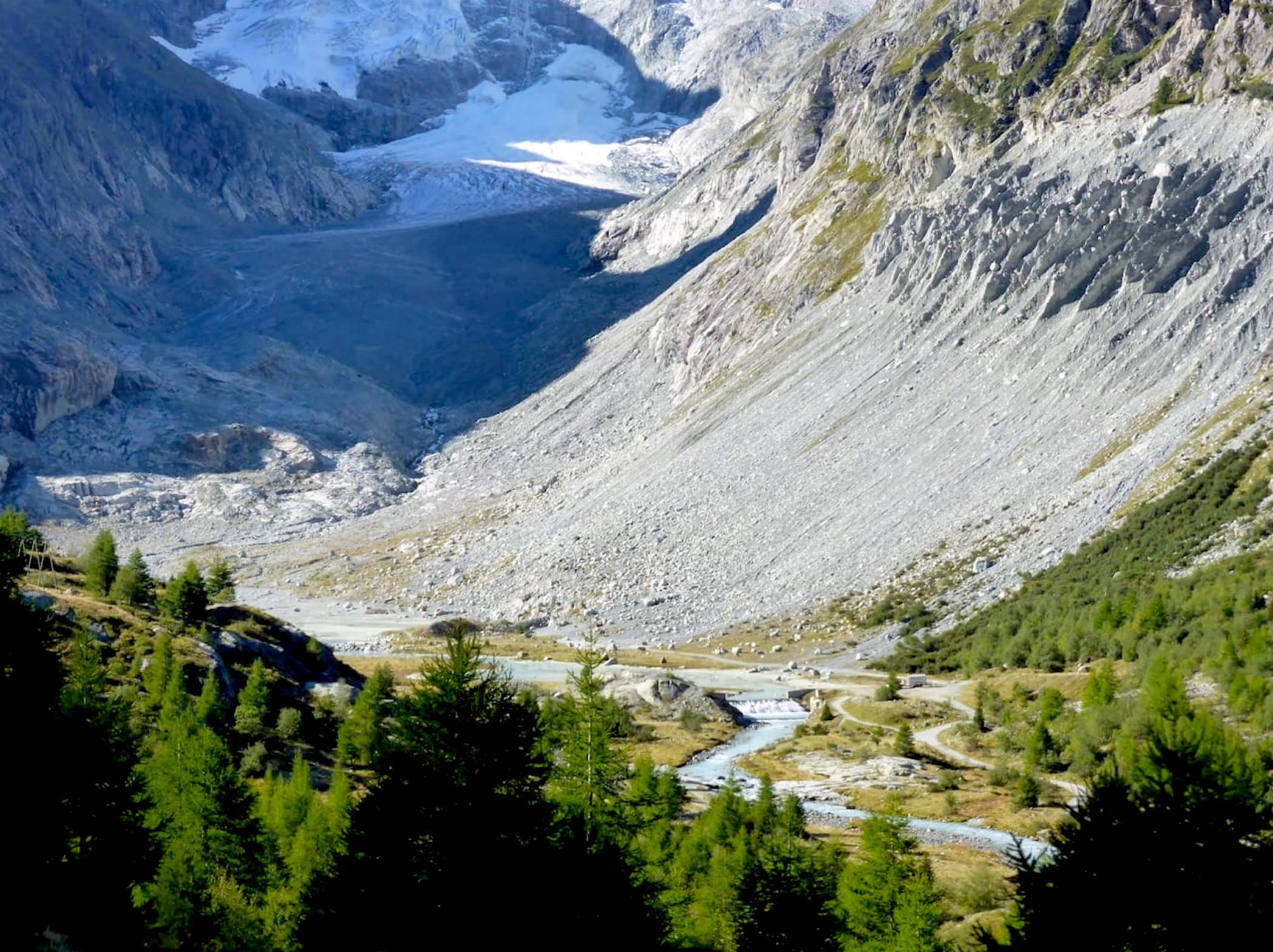photo of forclaz valley
