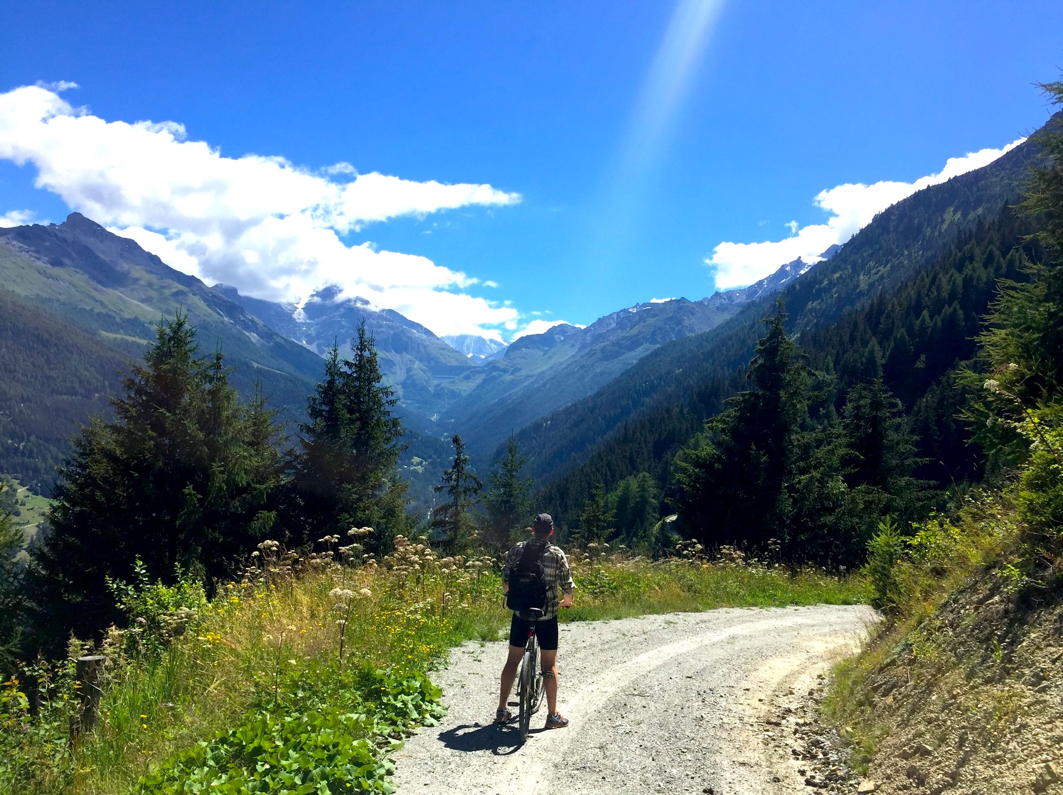 photo of mountain biking in Val d'Herens