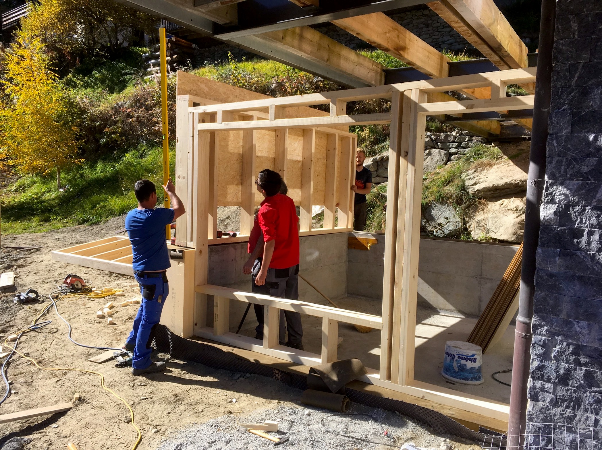 Chalet Le Iceberg: building the sauna with window.
